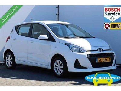 tweedehands Hyundai i10 1.0i i-Premium AIRCO NAVIGATIE 64000 KM !!