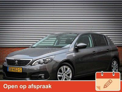 tweedehands Peugeot 308 1.2 PureTech Blue Lease Executive Navigatie / Panoramadak /