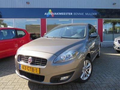 tweedehands Fiat Croma 2.2 16V Corporate AUTOMAAT / 1e EIG / 36.758 KM