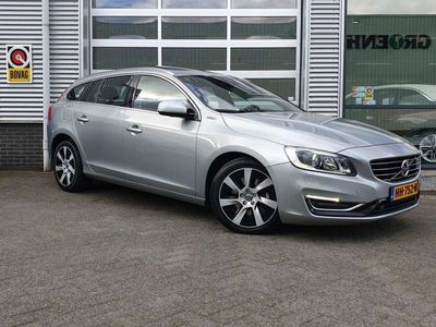 tweedehands Volvo V60  2.4 D6 AWD Plug-In Hybrid Summum ECL BTW **LEER**SCHUIFDAK**TREKHAAK
