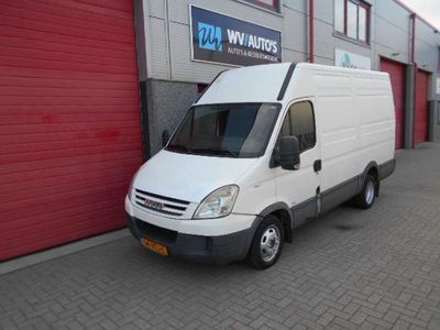 tweedehands Iveco Daily 35 C 15V 330 dubbellucht airco 3 zits export !!!!!