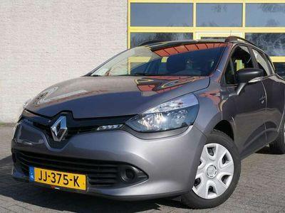 tweedehands Renault Clio Estate 1.5 dCi ECO Authentique BJ2016 Led | Airco