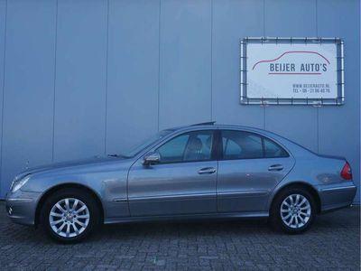 tweedehands Mercedes E230 Elegance Navigatie/Trekhaak/Schuifdak/Nette staat.