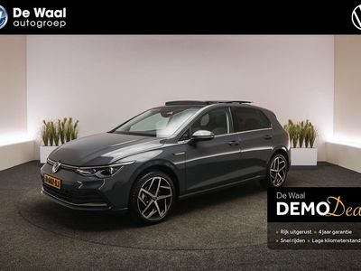 tweedehands VW Golf 8 1.5 eTSI 150pk DSG Style | Panoramadak, Digitaal Dashboard, Adaptive Cruise Control |