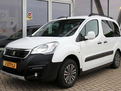 tweedehands Peugeot Partner 1.2 110PK TEPEE 5 PERS. AIRCO/APPLE CARPLAY/TREKHAAK/CRUISE
