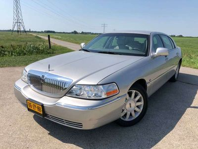 tweedehands Lincoln Town Car Signature L | verlengd | full option