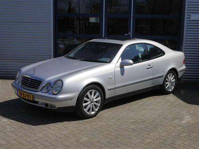 tweedehands Mercedes CLK200 Coupé Sport AUTOMAAT SCHUIFDAK ORIGINEEL NEDERLAND