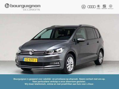 tweedehands VW Touran 1.0 TSI Comfortline Business, 3000,- korting, Van 28850,- Nu voor 25850,- Massagestoelen, Achteruitrijcamera, Active Cruise