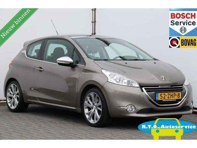 tweedehands Peugeot 208 1.6 THP Allure NAVIGATIE NETTE AUTO !!