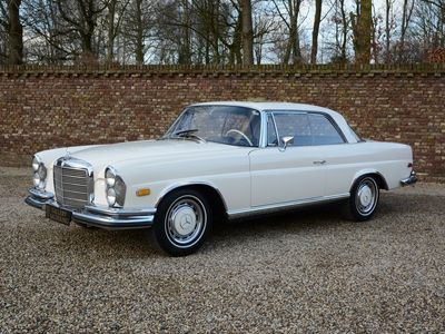 tweedehands Mercedes 280 3.5 Coupe rare Floorshift MANUAL gearbox with sunroof one o