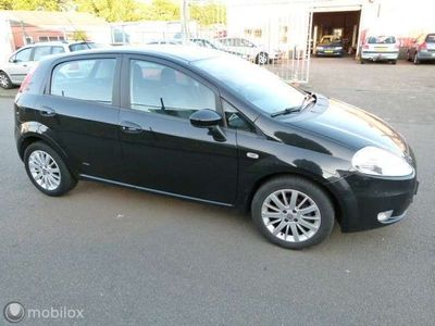 tweedehands Fiat Grande Punto 1.4-16V 5-deurs NIEUWE APK 21-08-2021 MOOI