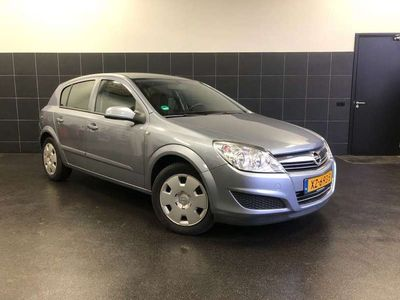tweedehands Opel Astra 1.6 Executive | Airco | Cruise Control | isofix |