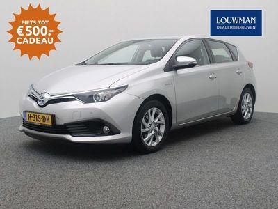 tweedehands Toyota Auris 1.8 Hybrid Aspiration Limited | Parkeersensoren | Navigatie |