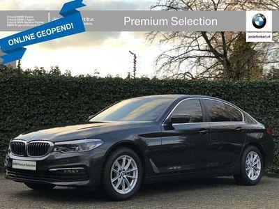 tweedehands BMW 520 5-SERIE Sedan i High Exe | Parking + audio + safetypack | Camera | Comfort zetel
