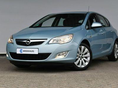 tweedehands Opel Astra Automaat 1.6 Edition | Licht- en regensensor | Parkeersensoren | Cruise control |