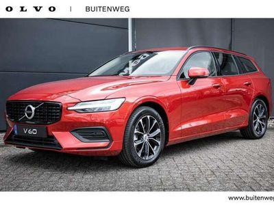 tweedehands Volvo V60 B3 Momentum Advantage | R-Design Grille | Diffuser