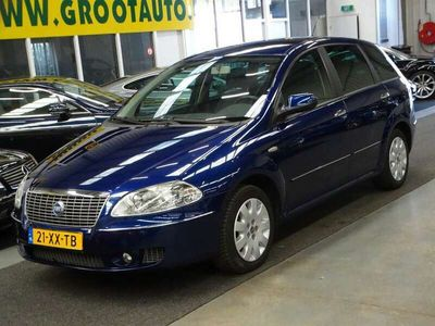 tweedehands Fiat Croma 2.2-16V Emotion Automaat Airco, Cruise Control, Na
