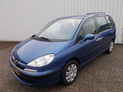 tweedehands Peugeot 807 2.2 ST ( APK 02-11-2021 )