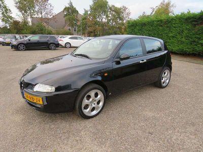 tweedehands Alfa Romeo 147 1.6 T.Spark Edizione Esclusiva NAP, NL auto, Airco, 17 inch Eindejaars sale!