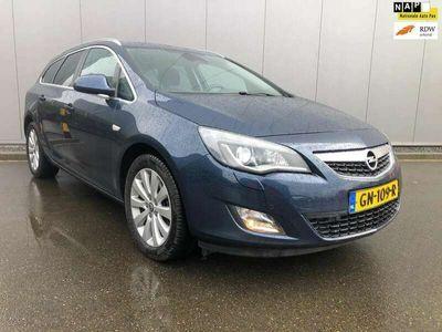 tweedehands Opel Astra Sports Tourer 1.7 CDTi Cosmo Xenon Navi Clima