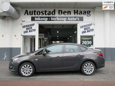 tweedehands Opel Astra 1.4 Turbo Cosmo Sedan Clima