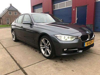 tweedehands BMW 320 i High Executive Sportline AUTOMAAT