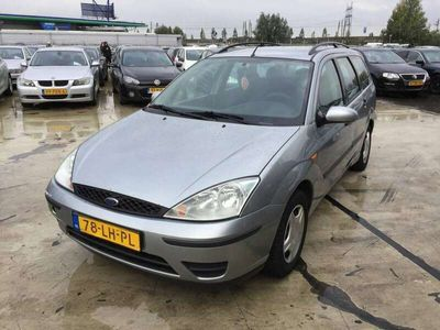 tweedehands Ford Focus Wagon 1.6-16V Cool Edition