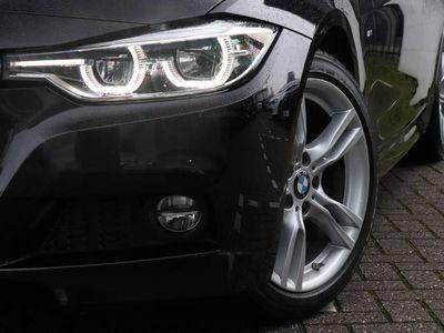 tweedehands BMW 320 3 Serie Touring i Centennial Executive   Automaat   PDC   Clima   Navi   M-Sport   NL-AUTO