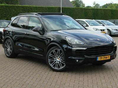tweedehands Porsche Cayenne 3.0 D / Panoramadak / Camera / Trekhaak / Bose / Luchtvering / Luxe leder