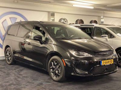 tweedehands Chrysler Pacifica LIMITED BLACK S EDITION nieuwe auto