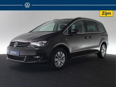 tweedehands VW Sharan 1.4 TSI Comfortline 150pk DSG 7-pers. ( BTW Verrekenbaar !) Trekhaak / Xenon / DAB / Parkeersensor / Navigatie / Winterpakket / Spiegelpakket / Privacyglas /