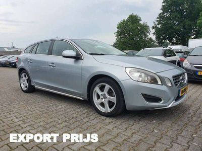 tweedehands Volvo V60 2.0 D3 Momentum *NAVI+PDC+ECC+CRUISE*