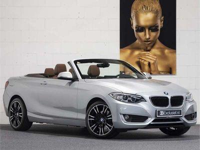 tweedehands BMW 220 220 Cabrio i Aut. leder v/a € 325,-- p.m.
