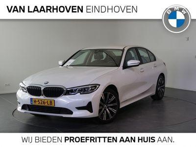 tweedehands BMW 320 320 i Automaat Executive Essential / Navigatie Prof