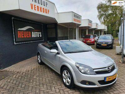 tweedehands Opel Astra Cabriolet TwinTop 1.6 airco navigatie scherm 138302km N.A.P