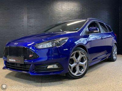 tweedehands Ford Focus Wagon 2.0 ST 250PK !! AANBIEDING DEZE WEEK !!
