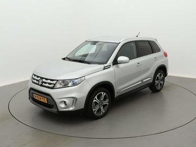 tweedehands Suzuki Vitara 1.6 Exclusive // Navi / Camera / Parkeersensoren / Stoelverwarming
