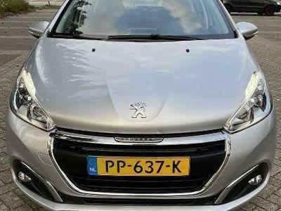 tweedehands Peugeot 208 1.2 PT Blue Lease