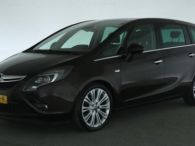 tweedehands Opel Zafira Tourer 1.4 Cosmo [ xenon panoramadak privacy glass naviga
