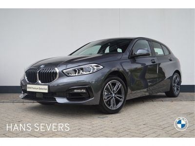 tweedehands BMW 118 1 Serie 5-deurs i Executive Sport Line Aut.