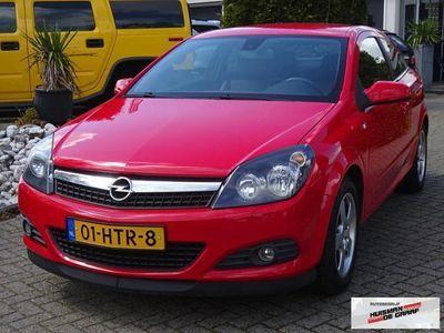 tweedehands Opel Astra GTC 1.7 CDTi 110PK Cosmo Zwart Leer ZEER MOOI