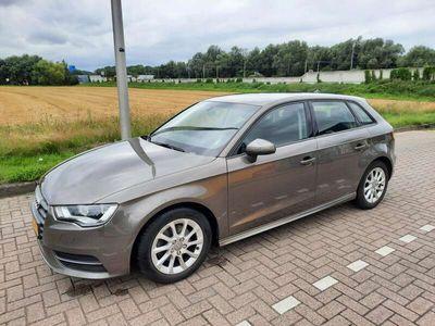 tweedehands Audi A3 1.6 TDI u. Attr.PL+