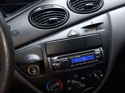 tweedehands Ford Focus 1.6-16V Ambiente