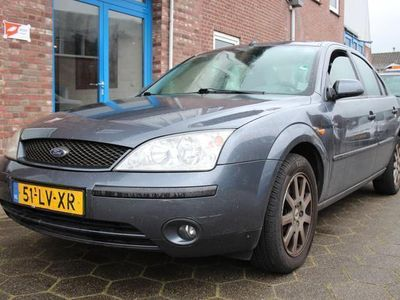 tweedehands Ford Mondeo 1.8-16V Collection