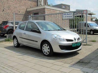 tweedehands Renault Clio 1.2-16V Special Line