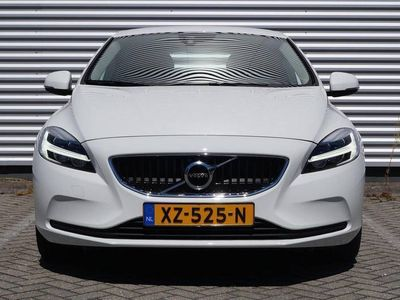 tweedehands Volvo V40 T2 Geartronic Polar