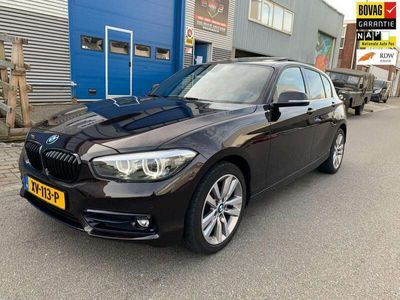 tweedehands BMW 118 1-SERIE i Sport Line Edition | Schuifdak | Leder | Bouwjaar 2019 | Dealeronderhouden |