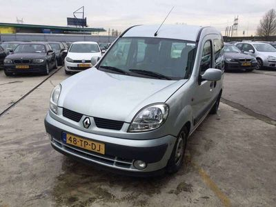 tweedehands Renault Kangoo 1.6-16V Privilege