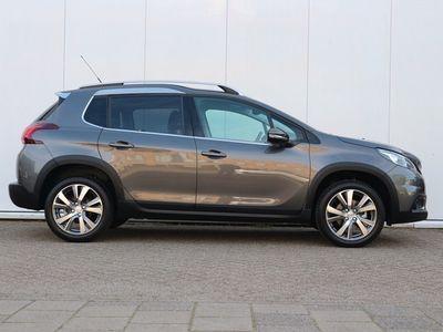 tweedehands Peugeot 2008 SUV 1.2 130 pk Allure Navigatie / Camera / 17 inch