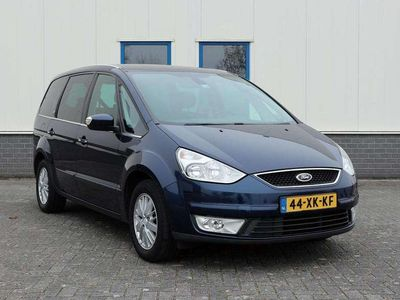 tweedehands Ford Galaxy 2.0-16V Ghia 7 persoons